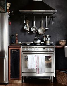 Traditional Kitchen Inspiration from the TDF archives - the design files - Kitchen Items, Kitchen Dining, Kitchen Decor, Traditional Kitchen Inspiration, Black Feature Wall, Feature Walls, The Design Files, Cuisines Design, Kitchen Styling