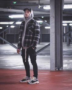 Hype Clothing, Mens Clothing Styles, Stylish Mens Outfits, Cool Outfits For Men, Men Looks, Black Men Street Fashion, Kleidung Design, Mens Fashion Wear, Herren Outfit