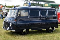 1956-67-morris-j2-van-mfd-1957-1489cc-police-livery.jpg (1024×683)