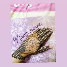 #henna #hennatattoo#hennalovers #hennartist#bridalhennadesigns#hennartist#mehndilovers#mehndiart#mehndipattern#mehndidesigns#mehndibride#henna😍#hennaart#rosemehndi#hennaflower#flowermehndidesignforinnerhands#naturalhennastain#Naazi_henna Henna Mehndi, Henna Art, Hand Henna, Hand Tattoos, Arm Tattoos