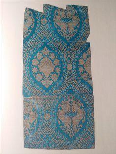 Persia, 14/15th century. From: Meisterwerke mittelaltericher Textilkunst aus dem Bayerischen Nationalmuseum, 1986.