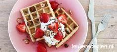 Gezonde wafels met aardbeien