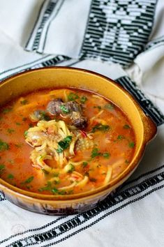 Easy to cook romanian recipes Romanian Food, Romanian Recipes, Coco, Thai Red Curry, Carne, Real Food Recipes, Food To Make, Food And Drink, Traditional
