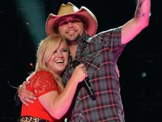 CMT News: 2013 CMA Music Festival: Kelly Clarkson, Keith Urban Lead a Musical Mix at LP Field