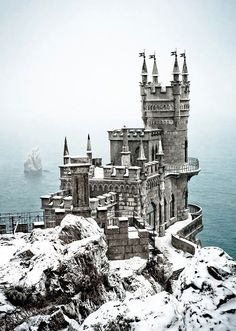 Eagle's Nest Castle, Ukraine, it is worth braving the cold to shoot when it's snowing.