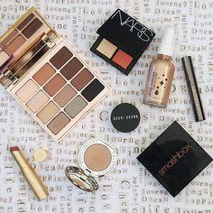 """#FOTD #tapforbrands #makeupmess #makeupflatlay #beautyblogger #nursebyday"""