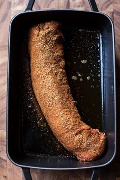 How to easily and quickly cook a pork tenderloin in the oven and keep it incredibly moist! Plus a few suggestions on spice rubs to really help flavor the pork! Cooking Tips, Suggestions and Pork Loin Recipes Oven, Baked Pork Loin, Cooking Pork Tenderloin, Roasted Pork Tenderloins, Roast Recipes, Oven Recipes, Cooking Recipes, How To Cook Tenderloin, Game Recipes