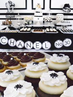 Gorgeous black and white inspired dessert table! #cupcakes #decorations #desserttable