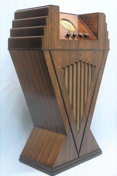 The stunning 1934 art deco Pacific Elite radio made in New Zealand. Art Nouveau, Art Deco Period, Art Deco Era, Art Deco Furniture, Antique Furniture, Mission Furniture, Furniture Catalog, Retro Furniture, Moda Art Deco