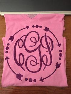 Arrow monogram v neck shirt