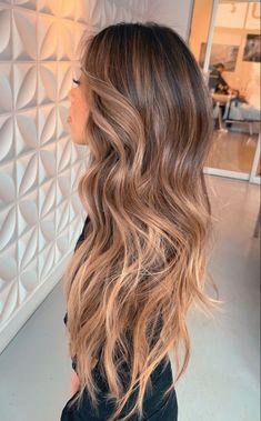 Ashy Blonde Balayage, Hair Color Balayage, Bronde Haircolor, Honey Balayage, Curly Balayage Hair, Balyage Long Hair, Balayage Hair Brunette With Blonde, Redken Hair Color, Balayage Hairstyle