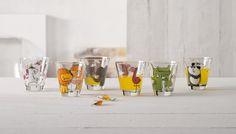 Met deLeonardo Drinkbeker van Bambini is drinken geven aan je kind geen probleem. Dankzij de speelse, kindvriendelijke vorm leren zelfs de allerkleinsten hoe ze drinkbekersmoeten gebruiken. De beker is gemaakt van glas. Het is ook leuk om de glazen weg te geven als cadeau!Na gebruik kun je de glazeneenvoudig reinigen in de vaatwasser. Pint Glass, Glasses, Tableware, Products, Animal Themes, Pet Pictures, Kids, Simple, Eyewear