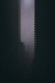 rhubarbes: Cityscape by Michael Salisbury More Cityscapes here. Night Aesthetic, City Aesthetic, Urban Photography, Street Photography, Dark City, Dark Places, Art Graphique, Urban Landscape, Dark Landscape