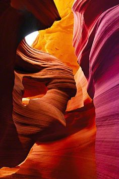 "In Arizona, the Antelope Canyon has towering, color shifting walls. The Navajo name for Upper Antelope Canyon is Tsé bighánílíní, which means ""the place where water runs through rocks. Antelope Canyon, Sequoia Park, West Usa, Beautiful World, Beautiful Places, Amazing Places, Wonderful Places, Grand Canyon, Slot Canyon"