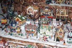Google Image Result for http://img.ehowcdn.com/article-new/ehow/images/a04/v8/2t/xmas-village-display-ideas-800x800.jpg