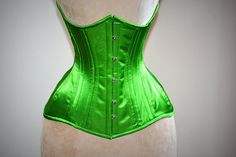 Real double row steel boned underbust corset from satin in a fashionable green grass summer color. Pencil Skirt Outfits, Pencil Skirt Black, Pencil Skirts, Steampunk Corset, Steampunk Necklace, Steampunk Clothing, Steampunk Fashion, Lace Tights, Sixties Fashion