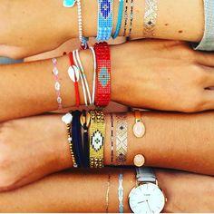 www.ethnikk-tattoo.com sur Instagram: Quand ma super coupine @maridou_bracelets part en Australie, elle n'oublie pas ses petits tattoos qu'elle mélange subtilement avec ses créations Merci pour ce super partage !!!  Profitez en ! C'est les soldes sur nos 2 boutiques  Bonne fin de journée ! #bijoux #tattoo #look #goldtattoo #bracelets #fashion #igers #girls #love #ootd #instamood #instadaily #instafashion #day #picoftheday #nice #tendance #pink #beach #beauty