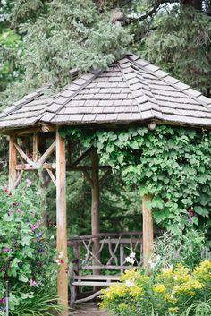 Intimate Garden Wedding | Photo by Kristyn Harder Photography