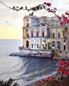 The Palazzo Donn'Anna in Naples.   Photo: @dianadelorenzi via @_prettylittleitaly #regram #travelgram #italy