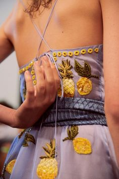 Altuzarra New York ready-to-wear Dazed backstage Pineapple Summer Dresses Fashion Week, High Fashion, Fashion Beauty, Fashion Tips, Fashion Trends, Fashion Hacks, Classy Fashion, Party Fashion, Indian Fashion