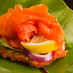 Potato Pancakes topped with smoked salmon is an elegant appetizer perfect for impressing your guests at parties or your family at everyday dinners. Simple Meals, Easy Meals, Mccain Foods, Salmon Potato, Elegant Appetizers, Potato Pancakes, Smoked Salmon, Food Presentation, Finger Foods