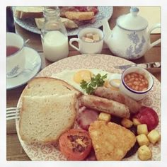 Start your day the right way! Full English Breakfast at the Ebb & Flow in Sutton. Cheers guys! #brewtime | Brew Tea Company