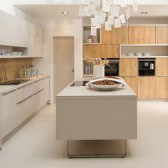 Mark David's Nolte Soft Lack with Manhattan kitchen