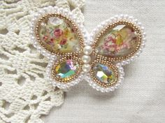 ビーズ刺繍~蝶のブローチ