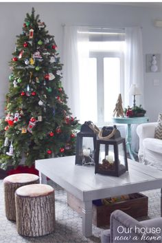 Coastal style Christmas home decor. Decorating with those glass hurricanes, vases or decorative lanterns can be difficult. What do you put in them? There are so many simple ideas to add just the right touch to a home for the Christmas and winter season!
