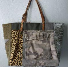 Sac cabas pièce unique patchwork de tweed, simili et toiles. Tons marron et gris : Sacs à main par cecile-collections