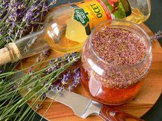 Vyrobte si malé domácí poklady zlevandule - Novinky.cz Home Made Soap, Cantaloupe, Natural Remedies, Alcoholic Drinks, Lavender, Herbs, Cleaning, Homemade, Fruit
