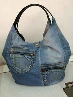 Urbano cremalleras Jean Purses, Purses And Bags, Denim Bag, Denim Jeans, Patterned Jeans, Jeans Material, Recycled Denim, Casual Jeans, Handmade Bags