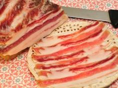 Nasušte si klobásky a salámy bez údenia (chorizo) Charcuterie, Chorizo, Sausage, Food And Drink, Homemade, Meat, Baking, Breakfast, Ethnic Recipes