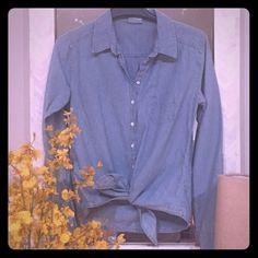 C&C California Tie Front Chambray Shirt Summer chic! C&C California Tops Button Down Shirts