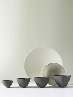 Black Triangle Bowl M - RYOTA AOKI POTTERY ONLINE STORE