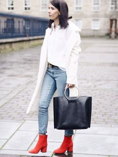 Tendance Chaussures 2017 – 5 Ways to Refresh your Spring Wardrobe Red Ankle Boots, Red Booties, Booties Outfit, Suede Boots, Simple Outfits, Casual Outfits, Fashion Outfits, Fashion 2017, Fall Winter Outfits
