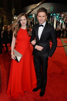 Pin for Later: Seht alle Stars auf dem roten Teppich der BAFTA Awards in London Hannah Bagshawe und Eddie Redmayne