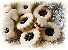 Myslíme si, že by sa vám mohli páčiť tieto piny - sbel Christmas Sweets, Christmas Candy, Christmas Baking, Czech Recipes, Holiday Cookies, Great Recipes, Cupcake Cakes, Cupcakes, Sweet Tooth