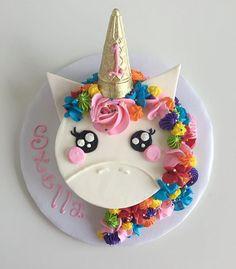 Mini unicorn smash cake for cutie pie, Stella ✨