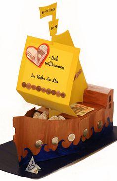Dieses Geldgeschenk-Schiff symbolisiert den Hafen der Ehe... Hier findet ihr eine Schritt-für-Schritt Anleitung zum selber basteln des Geldgeschenks.