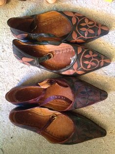 Experimenting two-colored patter in medieval style turn-shoes