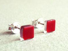 Vidrio y plata de ley. Pendientes mini rojos de BGLASSbcn por DaWanda.com