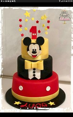 Mickey Minni Mouse Cake, Bolo Do Mickey Mouse, Fiesta Mickey Mouse, Mickey Mouse Parties, Mickey Party, Disney Parties, Mickey Birthday Cakes, Mickey 1st Birthdays, Mickey Mouse First Birthday