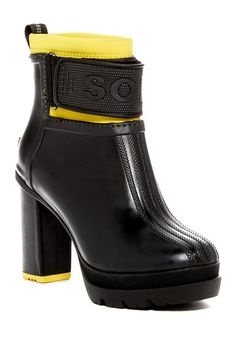 Image of Sorel Medina III Waterproof Boot (Women)