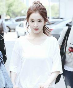 Irene -- Red Velvet