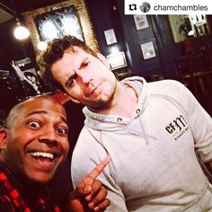 """261 Likes, 2 Comments - Henry Cavill Puerto Rico 🇵🇷 (@henrycavillpr) on Instagram: """"#Repost @chamchambles ・・・ When our next drinking sesh ?! @henrycavill need a comic book catch up.…"""""""