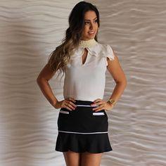 Look perfeito!!! Blusa + saia+perolas= Perfect  #fashionsummer #summer #bemmequer #amounicas #vemserunicas #lookdodia