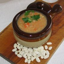 Eastern European Vegan / Vegetarian / Gluten-Free Recipes: Serbian Meatless White Bean Soup Recipe - Pasulj