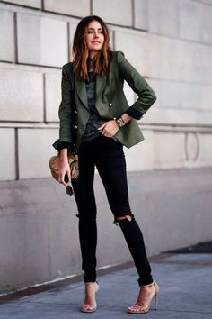 Cute Work Outfits 46 spring work outfit ideas that will brighten your day Cute Work Outfits. Here is Cute Work Outfits for you. Cute Work Outfits cute work outfits for winter garbarini. Khakis Outfit, Blazer Jeans, Look Blazer, Blazer Outfits, Jean Outfits, Casual Outfits, Ripped Jeans, Khaki Blazer, Smythe Blazer