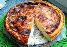Recipe for fit cheesecake with cottage cheese. How to prepare a healthy dessert for the whole family. Healthy Sweets, Healthy Snacks, Healthy Recipes, Allergies Alimentaires, Cheesecake, Low Calorie Breakfast, Recipe Images, Food Allergies, Food Hacks
